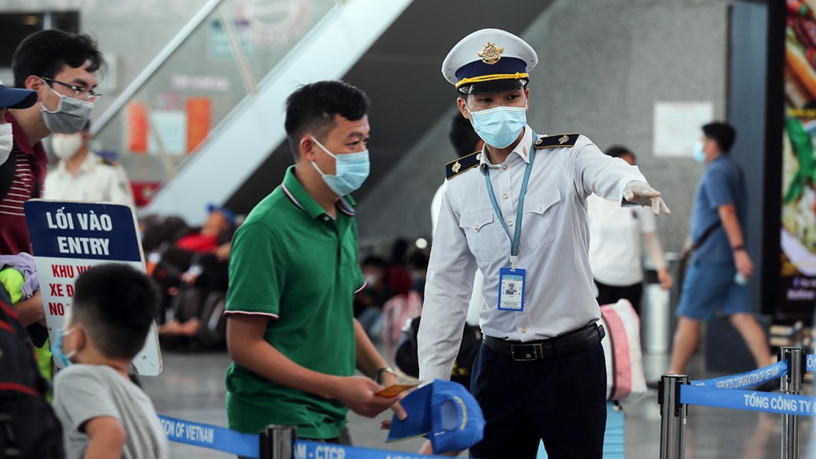 Việt Nam đối mặt với 4 nguy cơ tiềm ẩn làm bùng dịch Covid-19