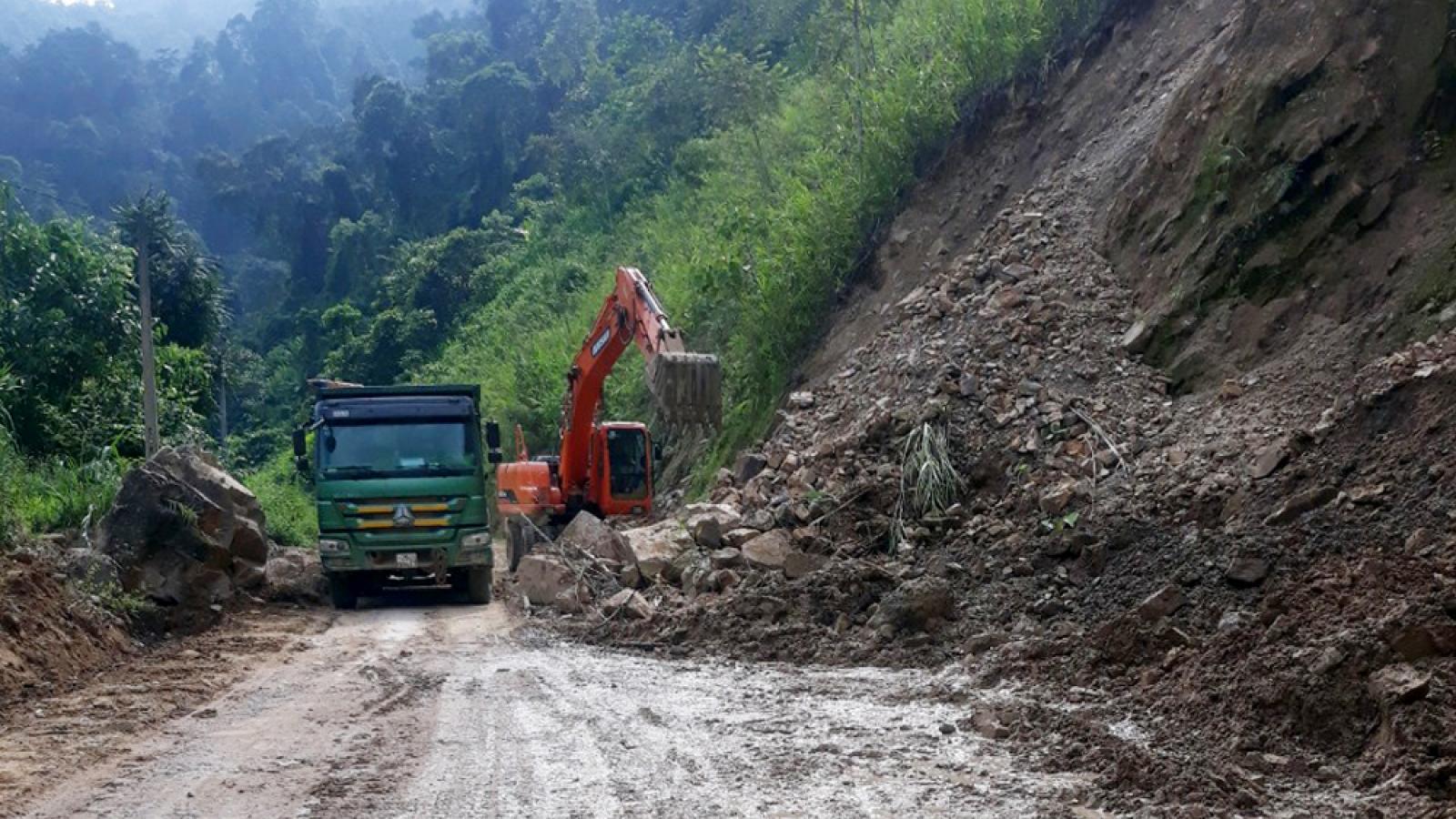 Lai Châu mưa trên diện rộng, nguy cơ sạt lở đất, đá rơi trên các tuyến giao thông