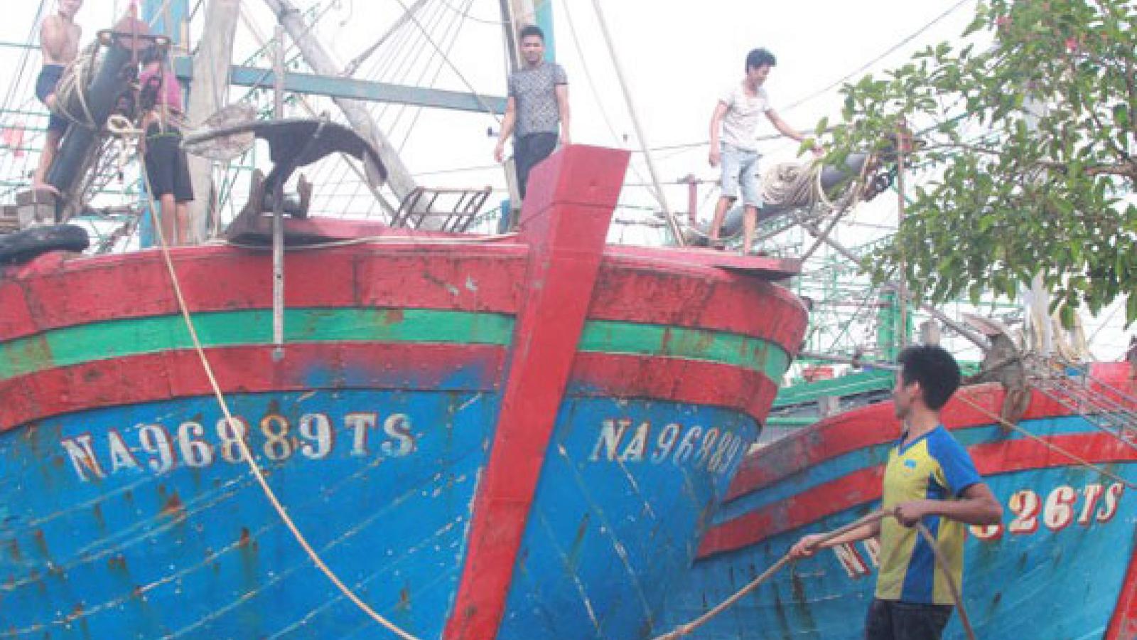 Bắt đầu có gió giật mạnh và mưa to ở Thanh Hóa và Nghệ An