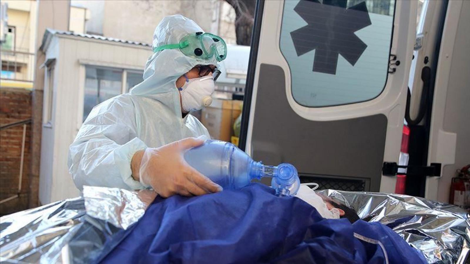 Hàng trăm nhân viên y tế Algeria tử vong vì Covid-19