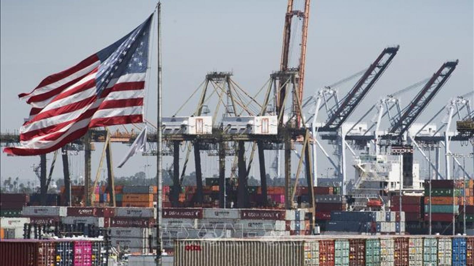 Thâm hụt thương mại của Mỹ tăng lên mức cao nhất trong vòng 12 năm