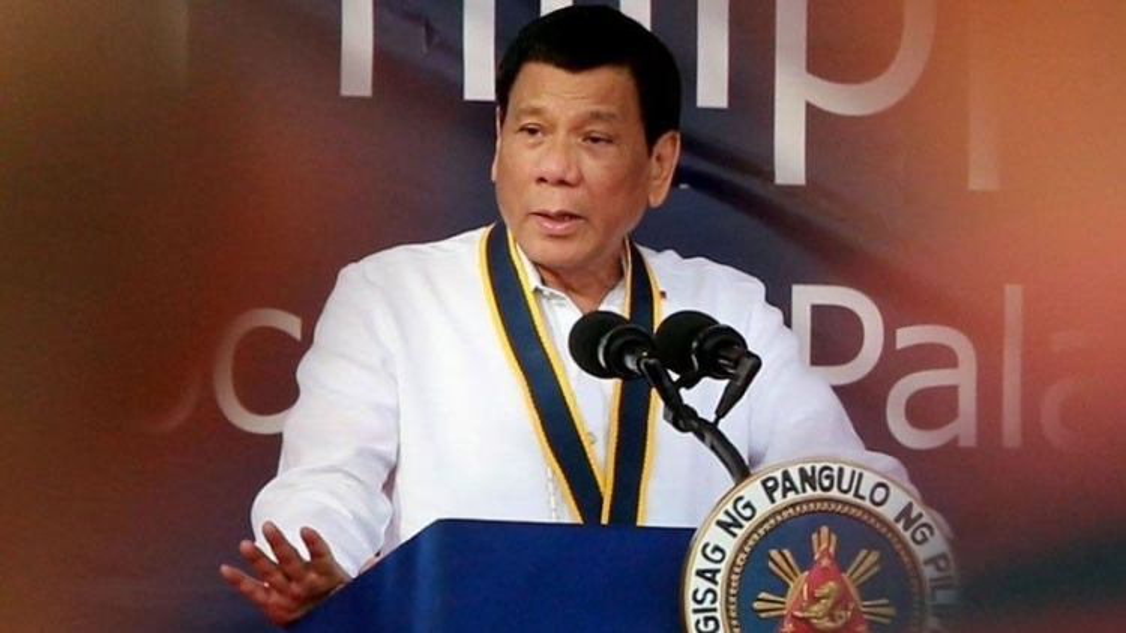 Philippines gác lại vấn đề Biển Đông, tiếp tục hợp tác với Trung Quốc