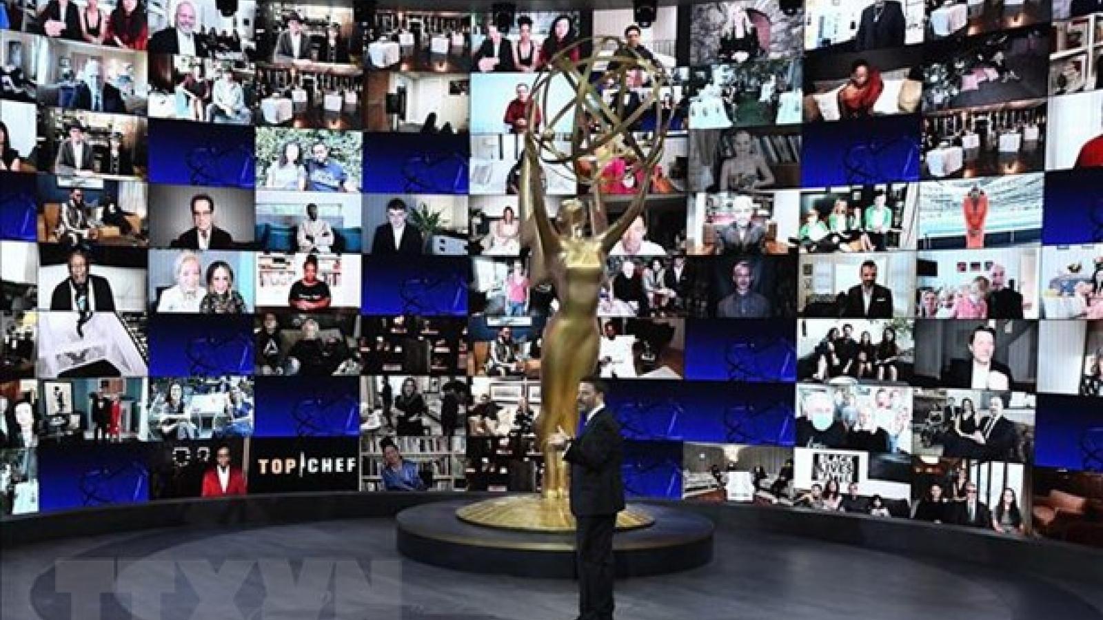 """Emmy 2020: Schitt's Creek """"đại thắng"""""""