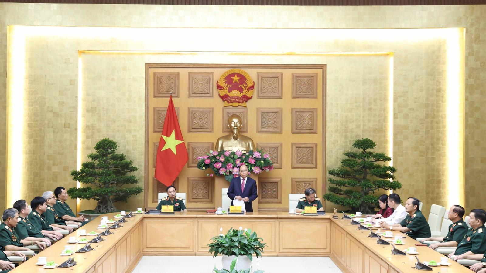 Thủ tướng Nguyễn Xuân Phúc tiếp Đoàn tướng lĩnh, sỹ quan Cục Tác chiến