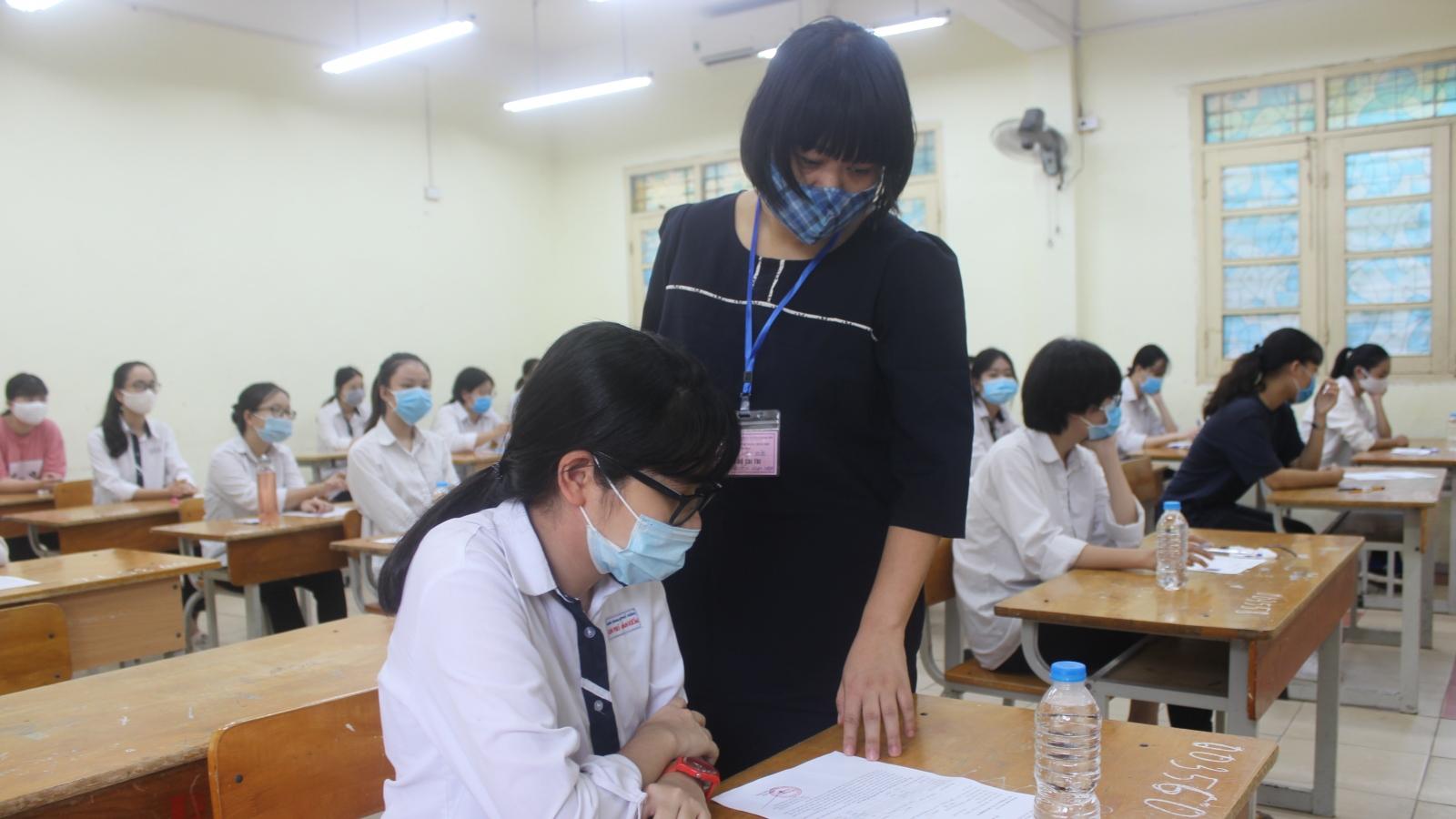 Cần xây dựng quy tắc riêng về sử dụng điện thoại di động trong từng lớp học
