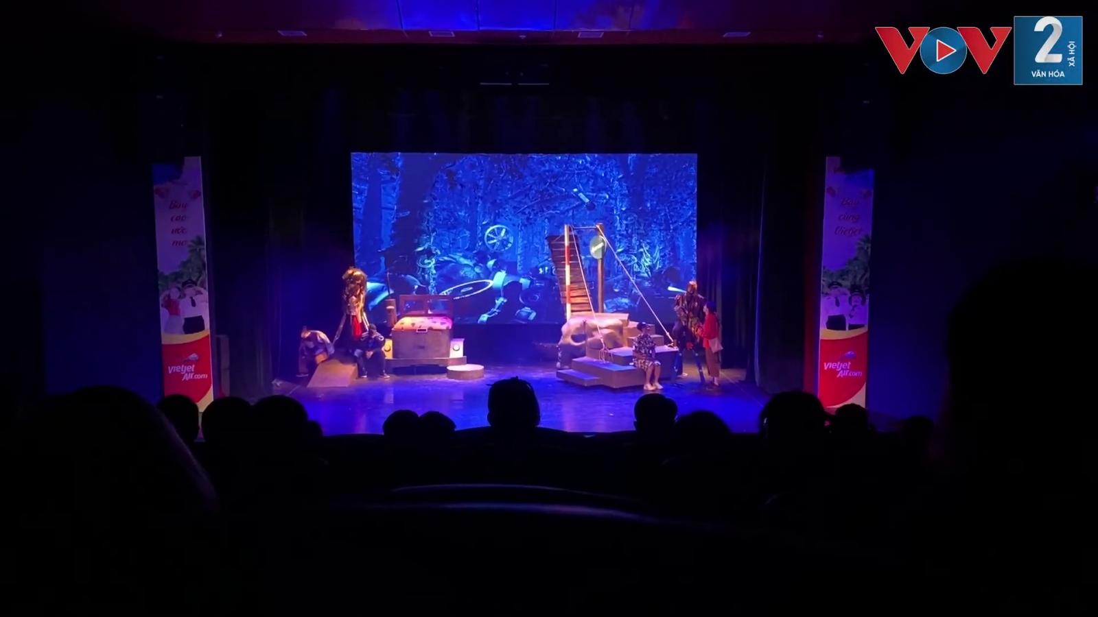 Nhà hát Tuổi Trẻ tiên phong đón khán giả trở lại sau dịch Covid-19