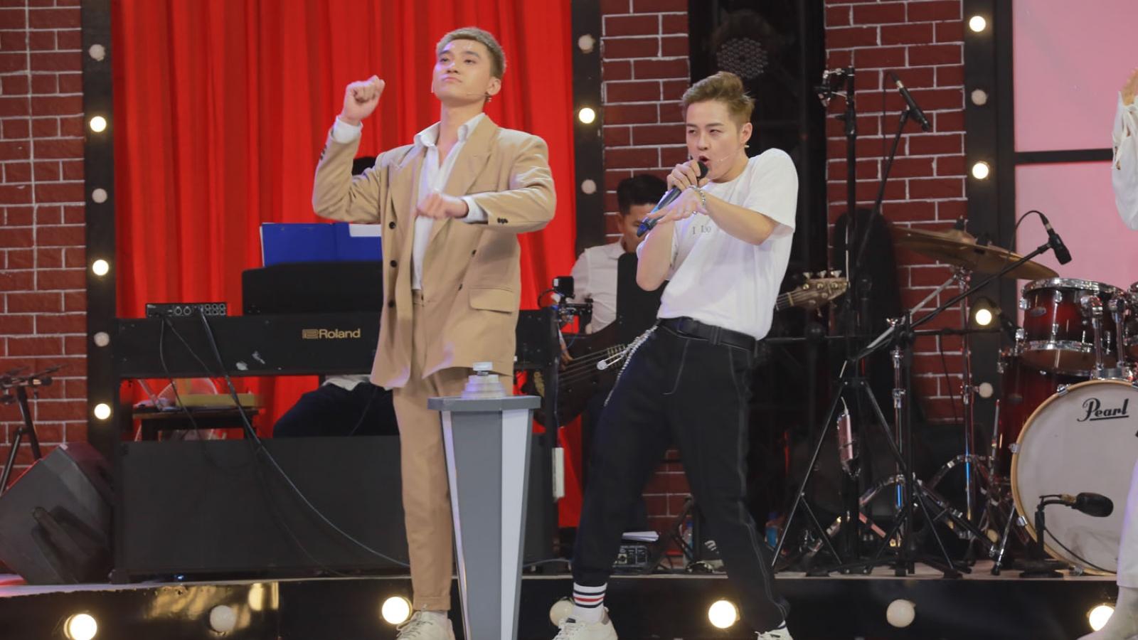 Ca sĩ Thanh Duy bối rối vì không thuộc lời bản hit của Sơn Tùng M-TP
