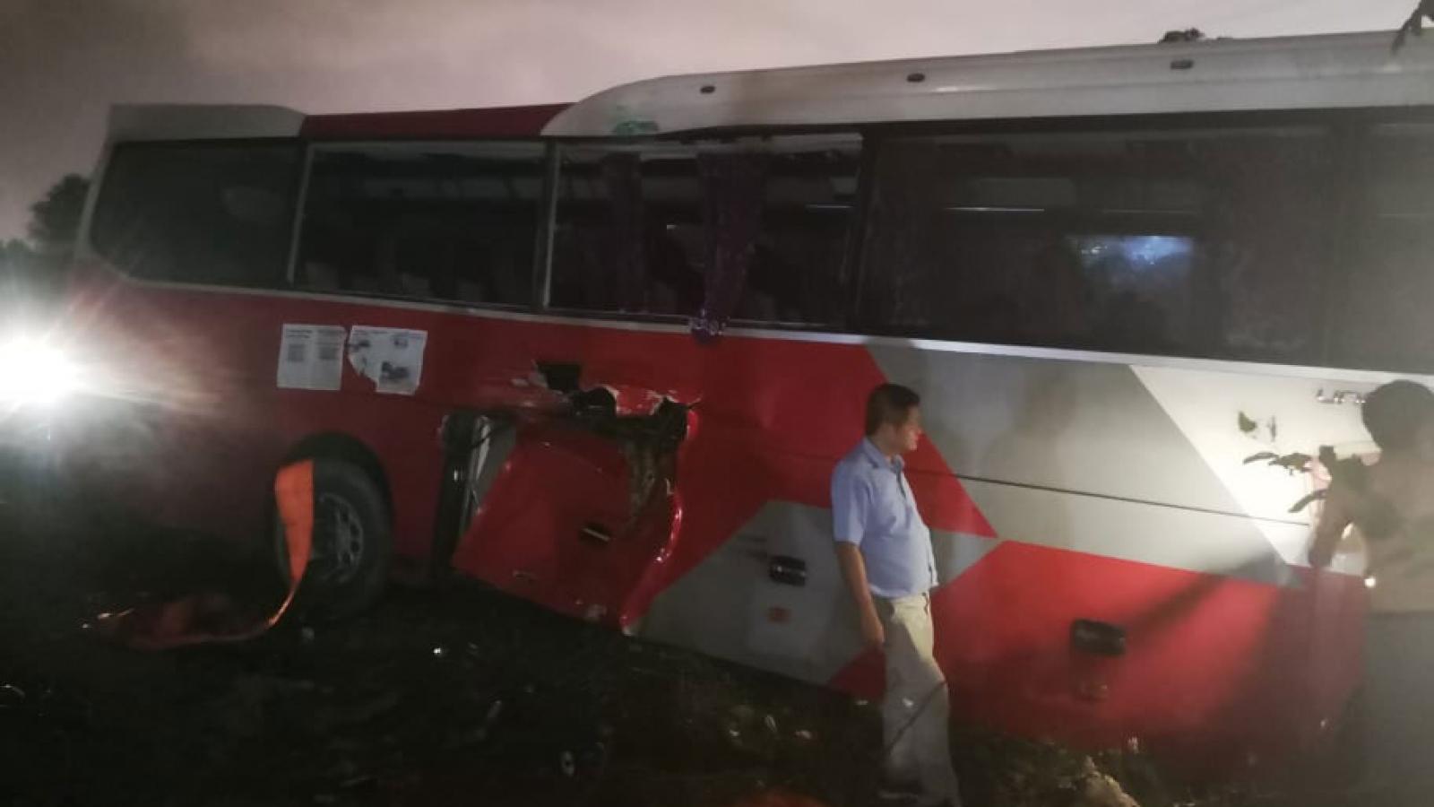 Vụ tàu hoả va chạm với xe đưa đón học sinh: 6 học sinh đã được ra viện