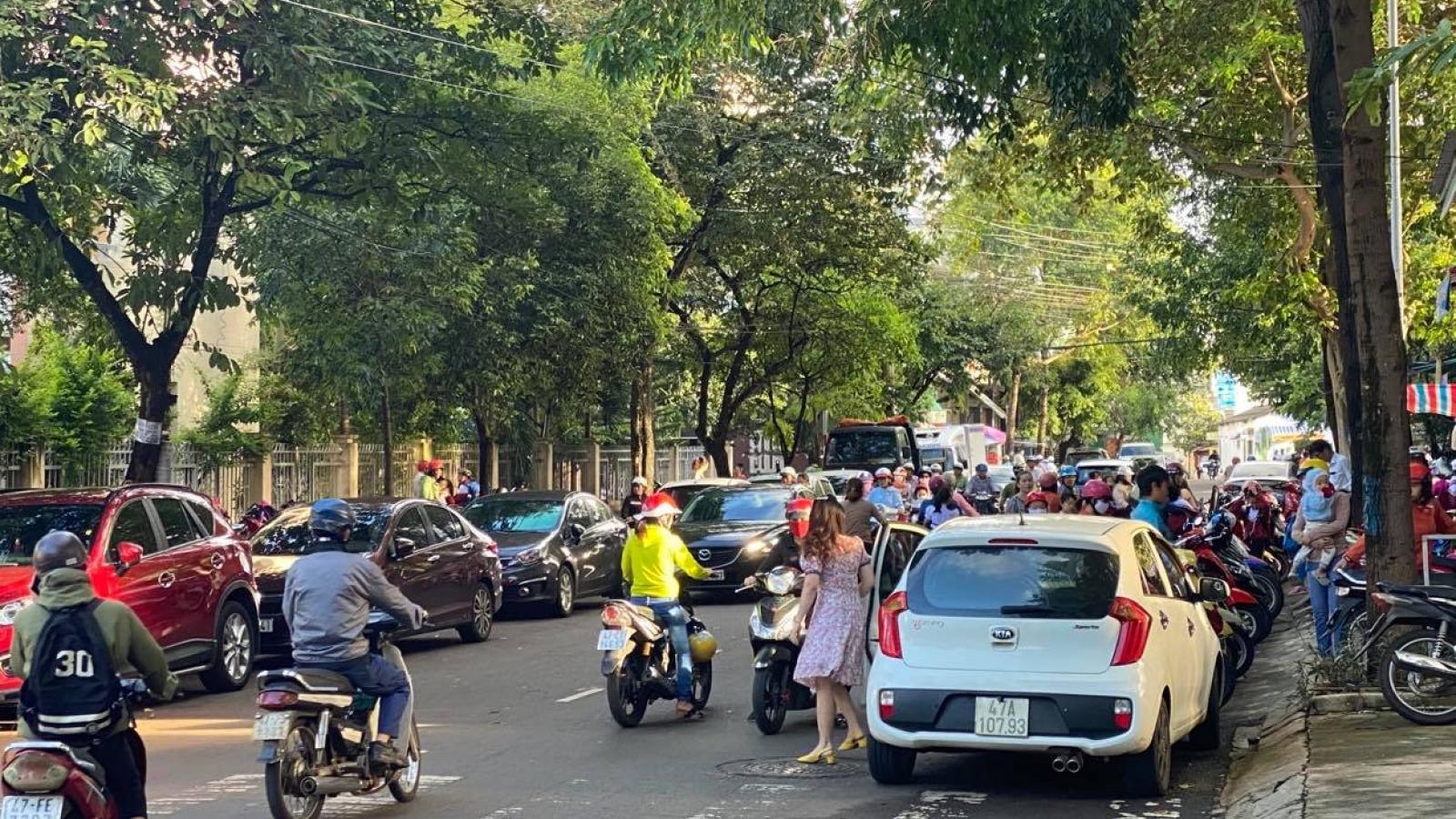 Đắk Lắk lập lại trật tự ATGT ở các cổng trường học
