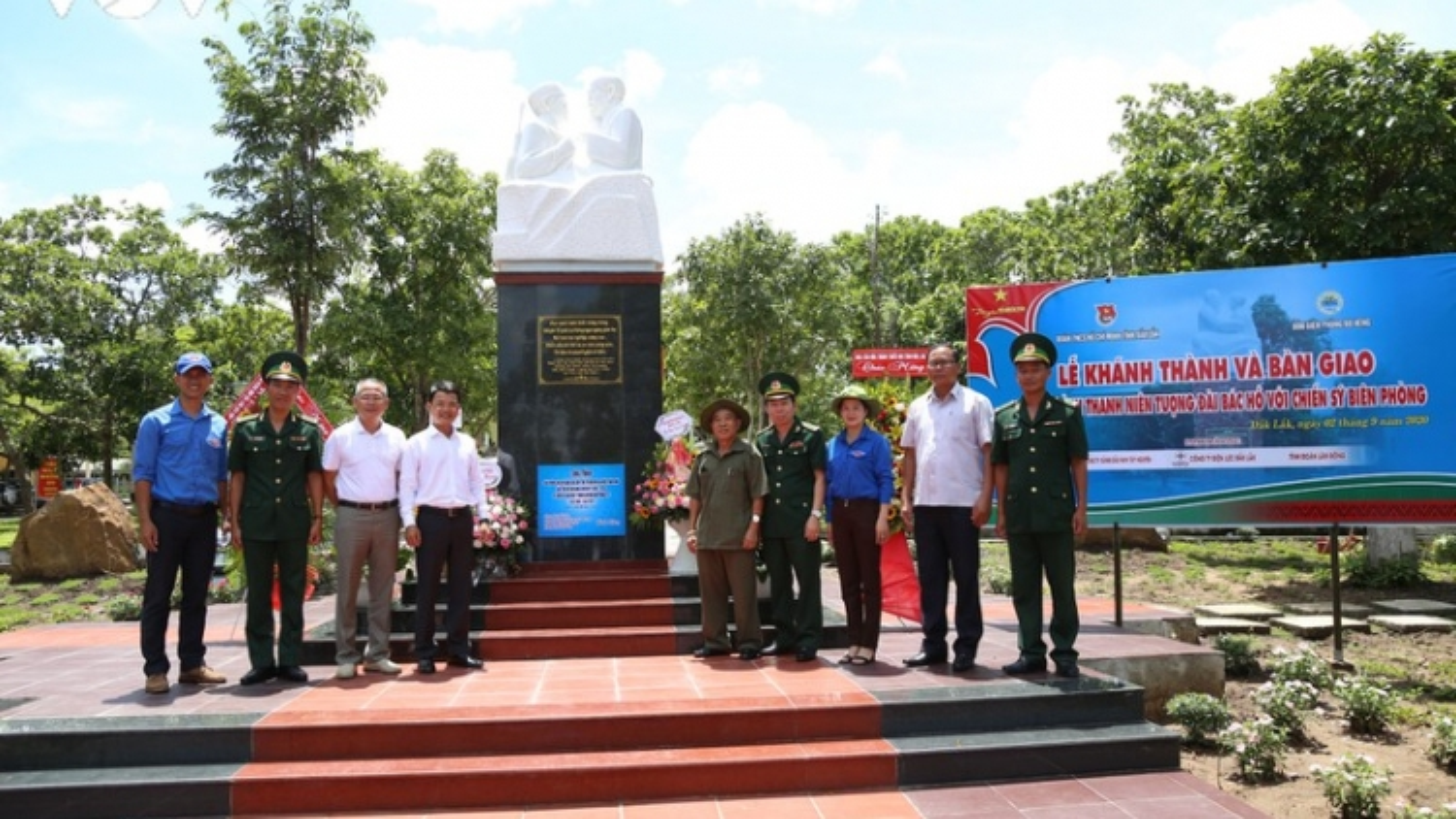 """Đắk Lắk khánh thành tượng đài """"Bác Hồ với chiến sỹ biên phòng"""""""