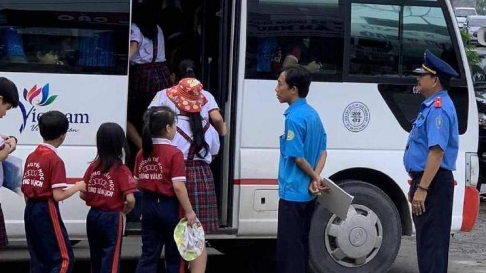 Hà Nội siết điều kiện xe đưa đón học sinh