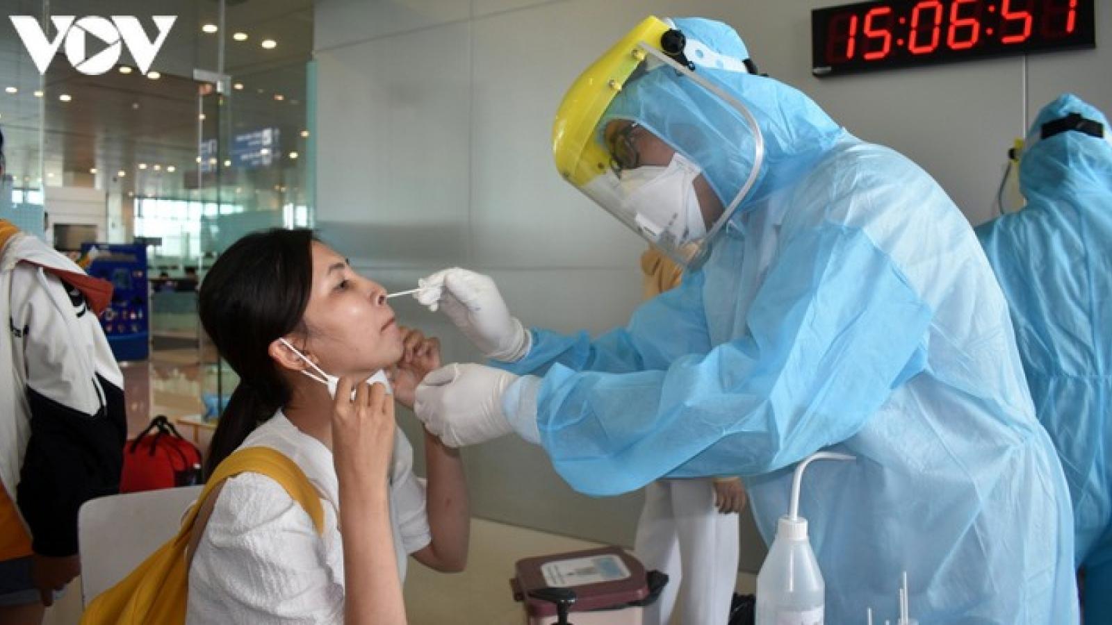 Bộ Y tế đặt hàng doanh nghiệp thực hiện xét nghiệm COVID-19 tại sân bay