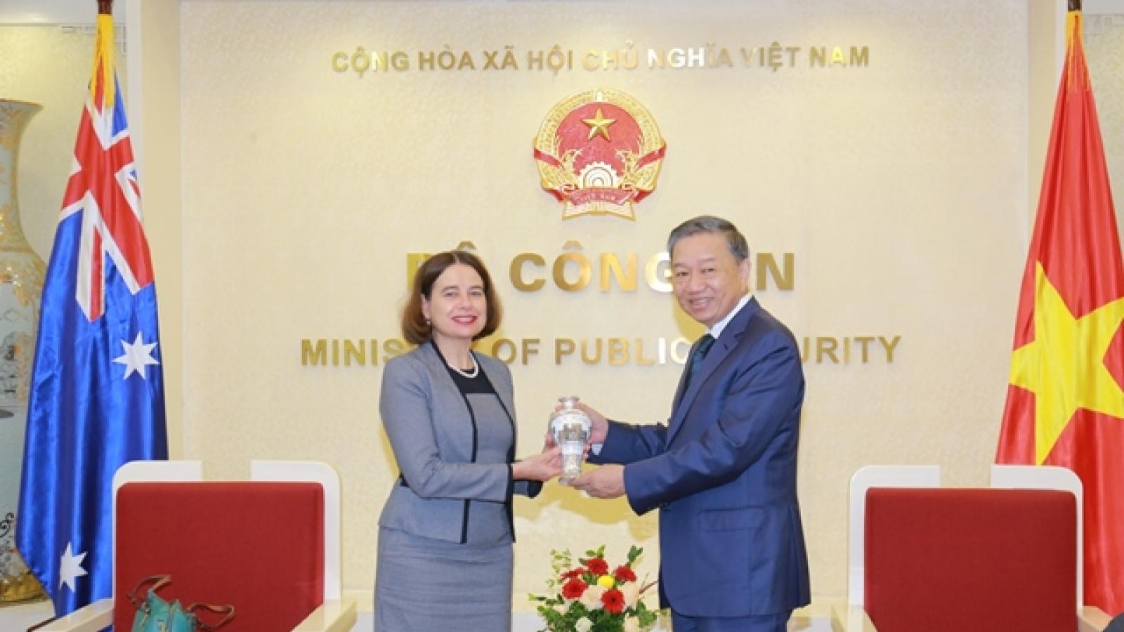 Bộ trưởng Bộ Công an Tô Lâm tiếp Đại sứ Australia tại Việt Nam
