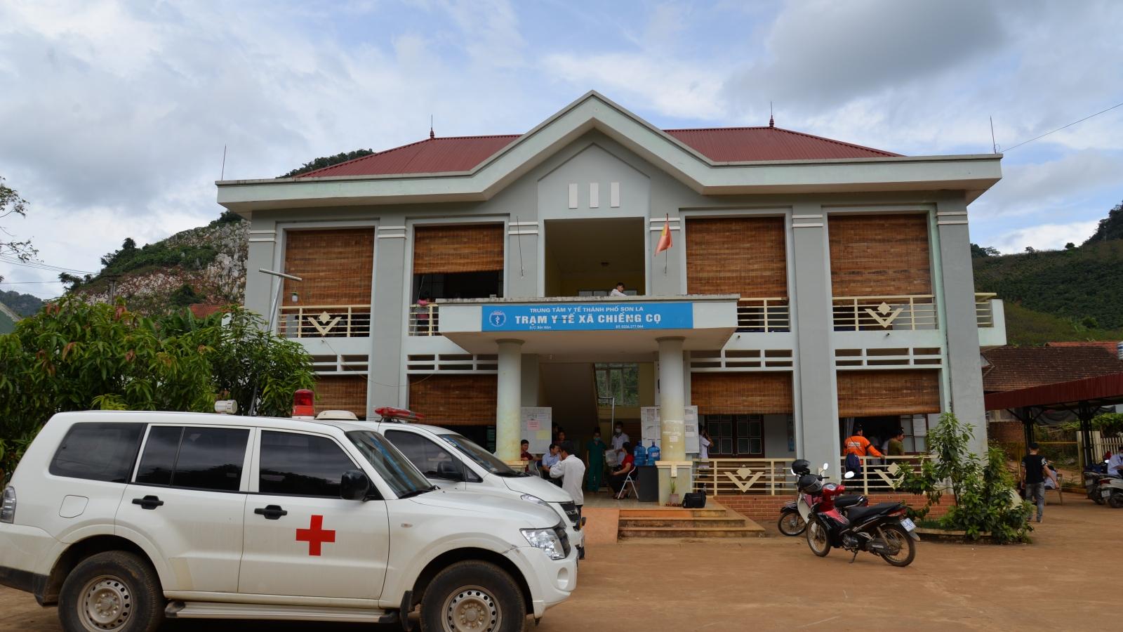 Hơn 40 học sinh ở Sơn La nghi ngộ độc thực phẩm sau khi ăn sáng ngoài cổng trường