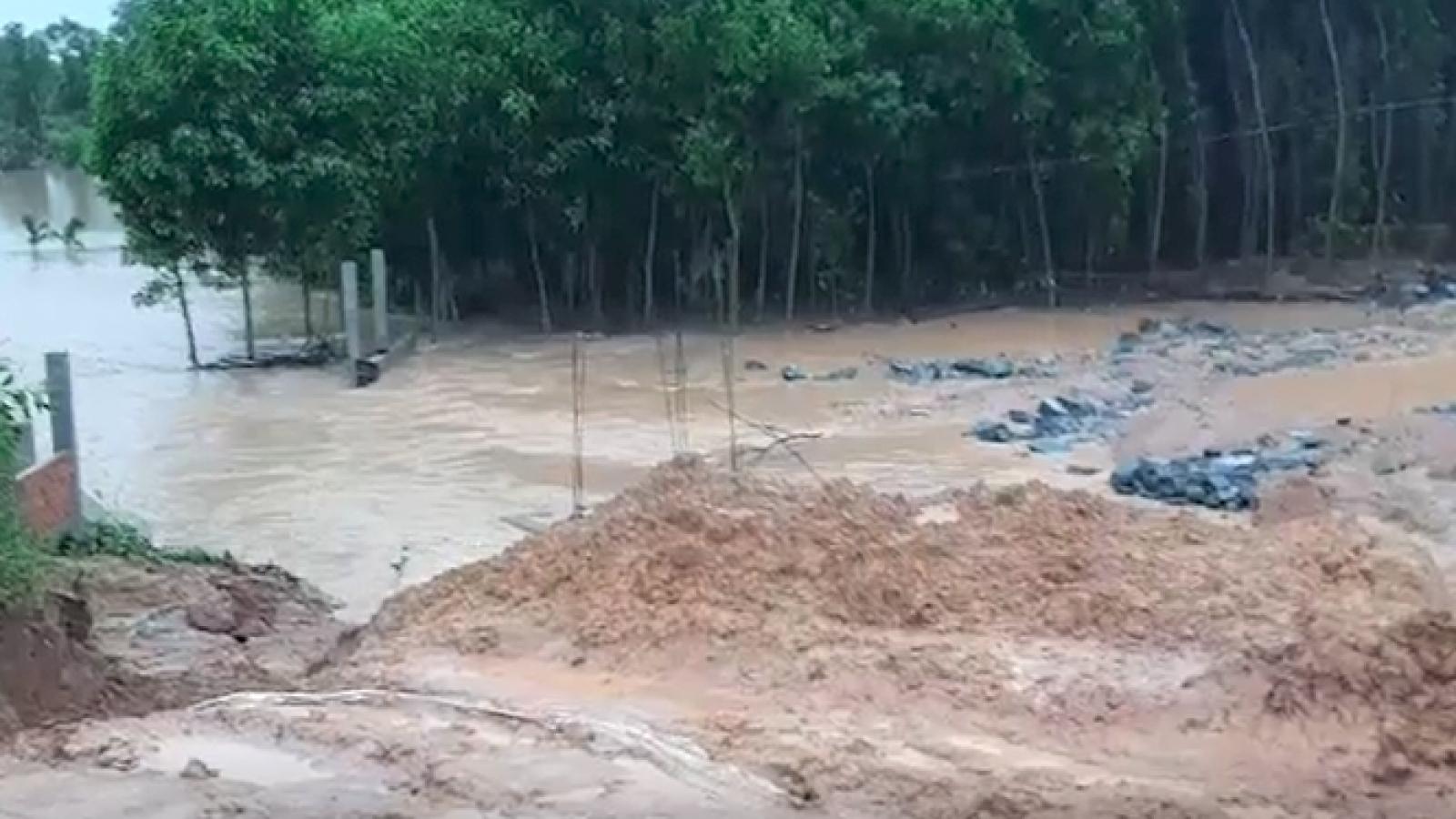 Vỡ đập thủy lợi ở Quảng Nam, hàng trăm ngàn m3 nước đổ xuống hạ du