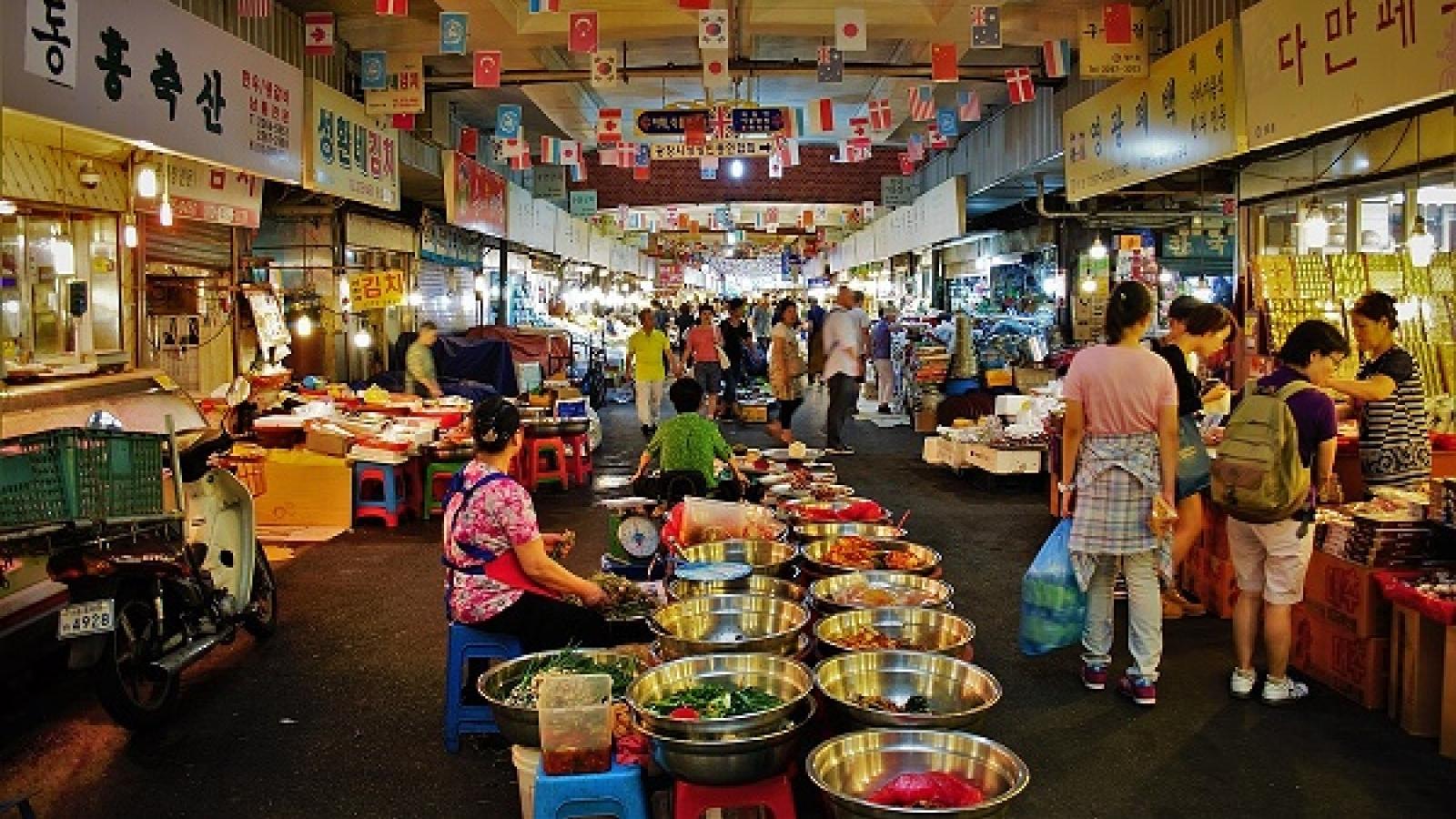 10 khu chợ truyền thống đáng ghé thăm nhất ở Hàn Quốc