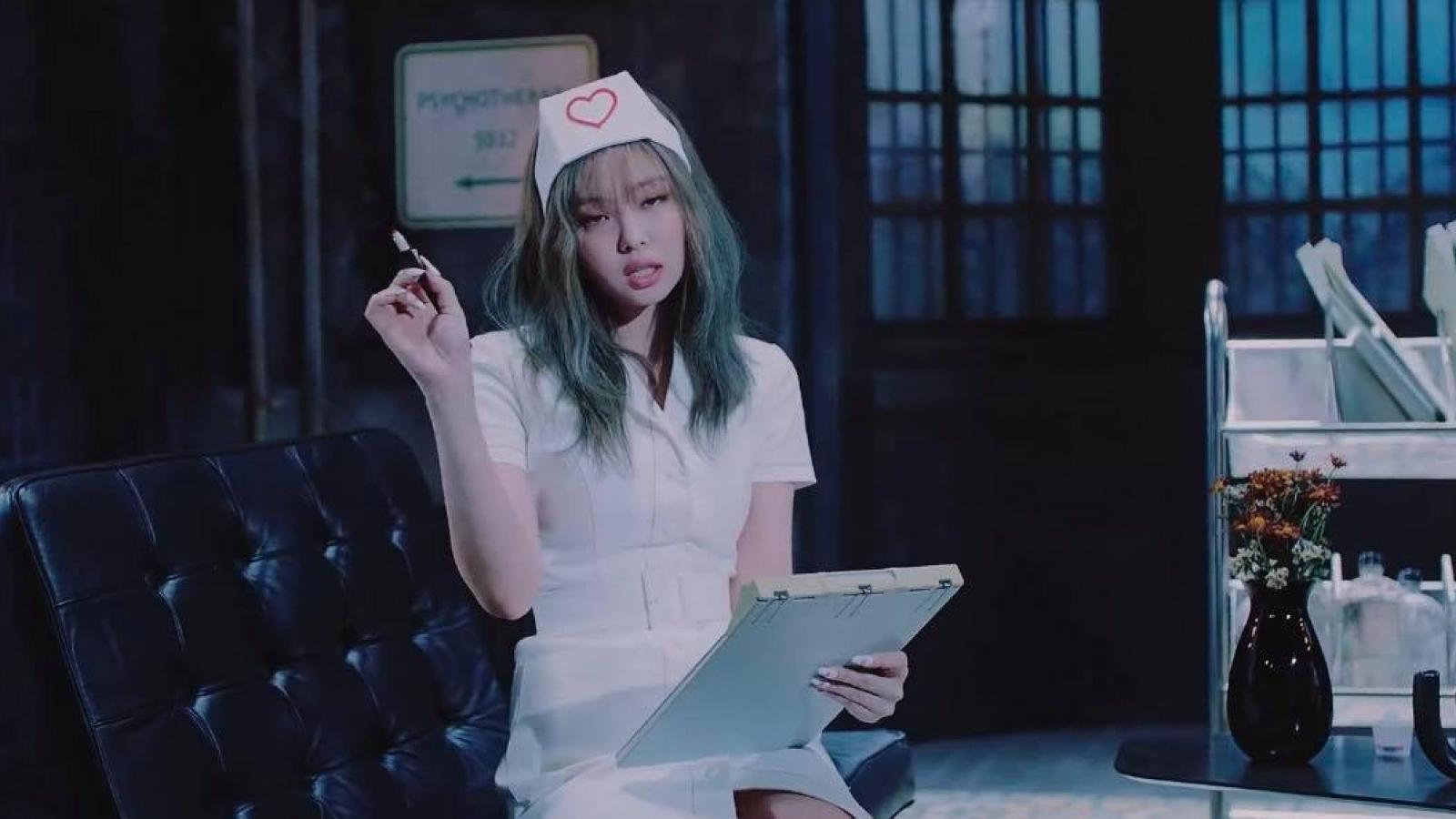 """YG quyết định xoá cảnh quay gây tranh cãi của Jennie (BLACKPINK) trong """"Lovesick Girls"""""""