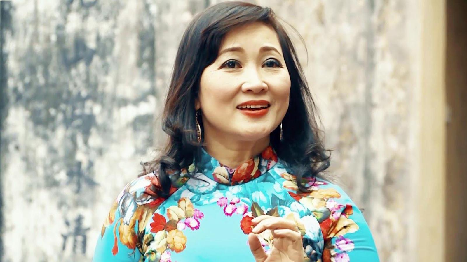 """NSND Vương Hà: Giọng ngâm thân thiết của """"Tiếng thơ"""""""