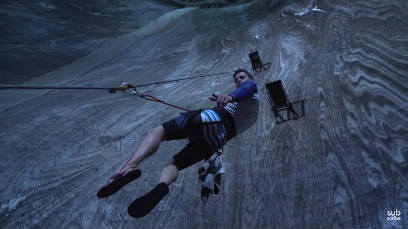 Video: Màn nhào lộn từ độ cao 120m tại mỏ muối lâu đời nhất thế giới