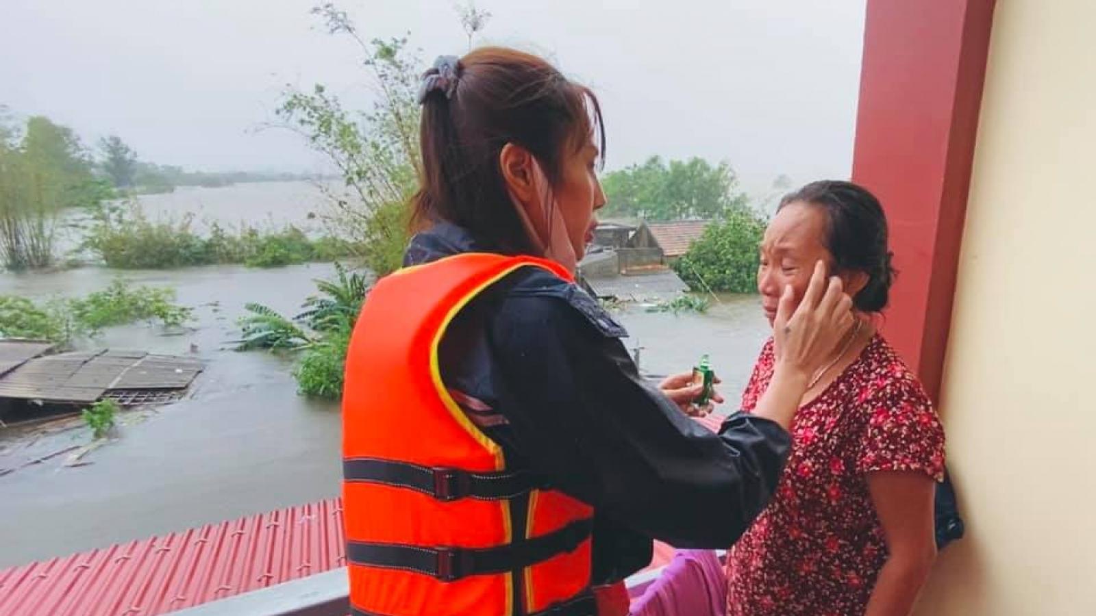"""Thủy Tiên đi cứu trợ miền Trung: """"Đã làm thì không sợ, đã sợ thì không làm!"""""""