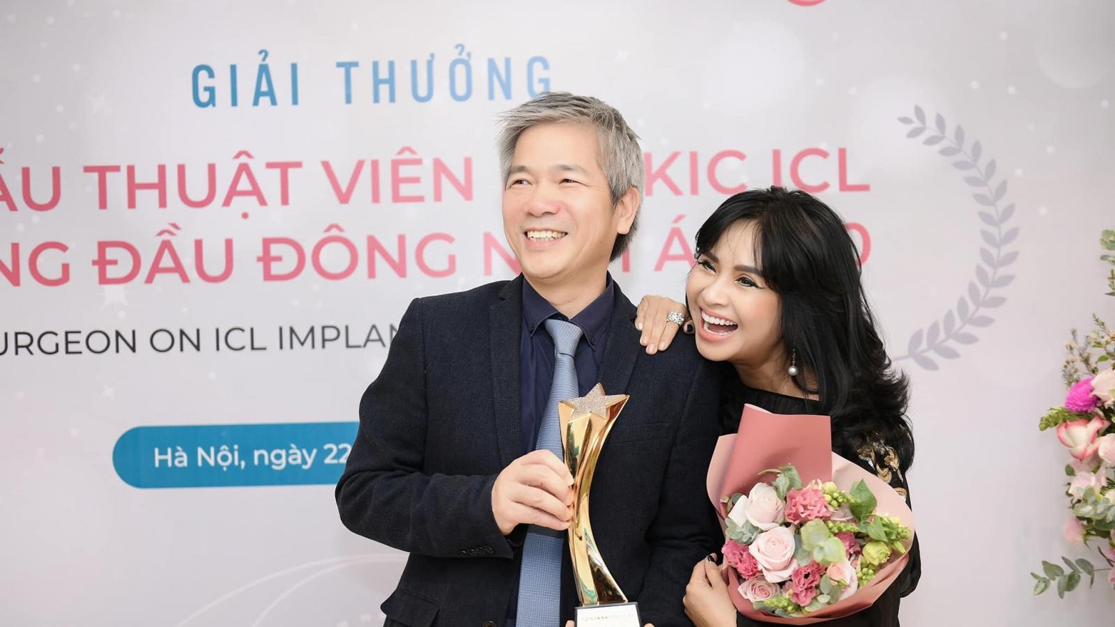 Chuyện showbiz: Diva Thanh Lam cười rạng rỡ trong ngày bạn trai nhận tin vui
