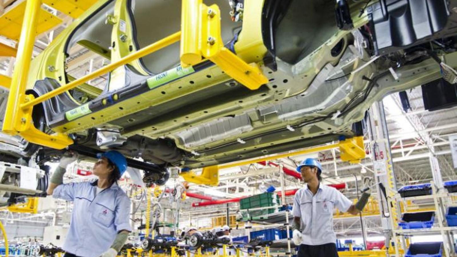 Kinh tế Thái Lan bắt đầu chịu hậu quả từ biểu tình quy mô lớn