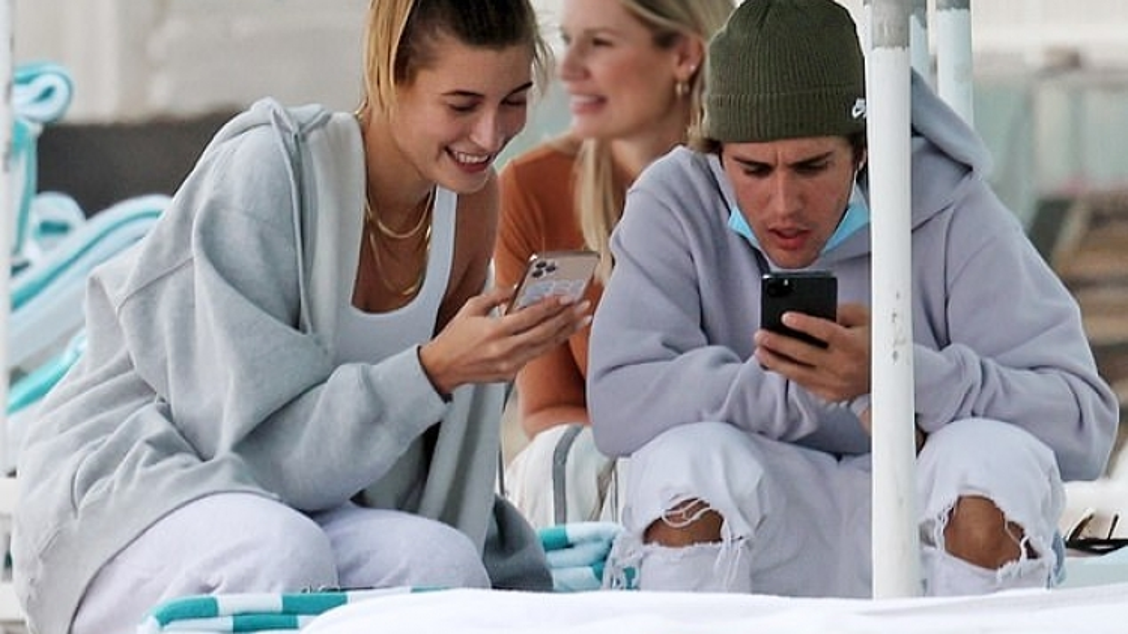 Vừa than cô đơn, Justin Bieber đã có động thái đặc biệt với bà xã