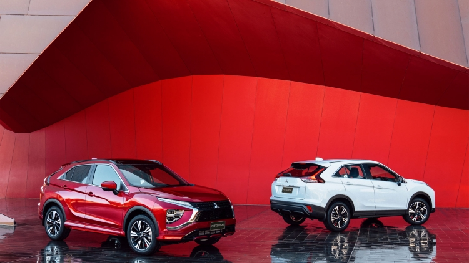 Mitsubishi Eclipse Cross Lands 2021 có thêm phiên bản chạy điện