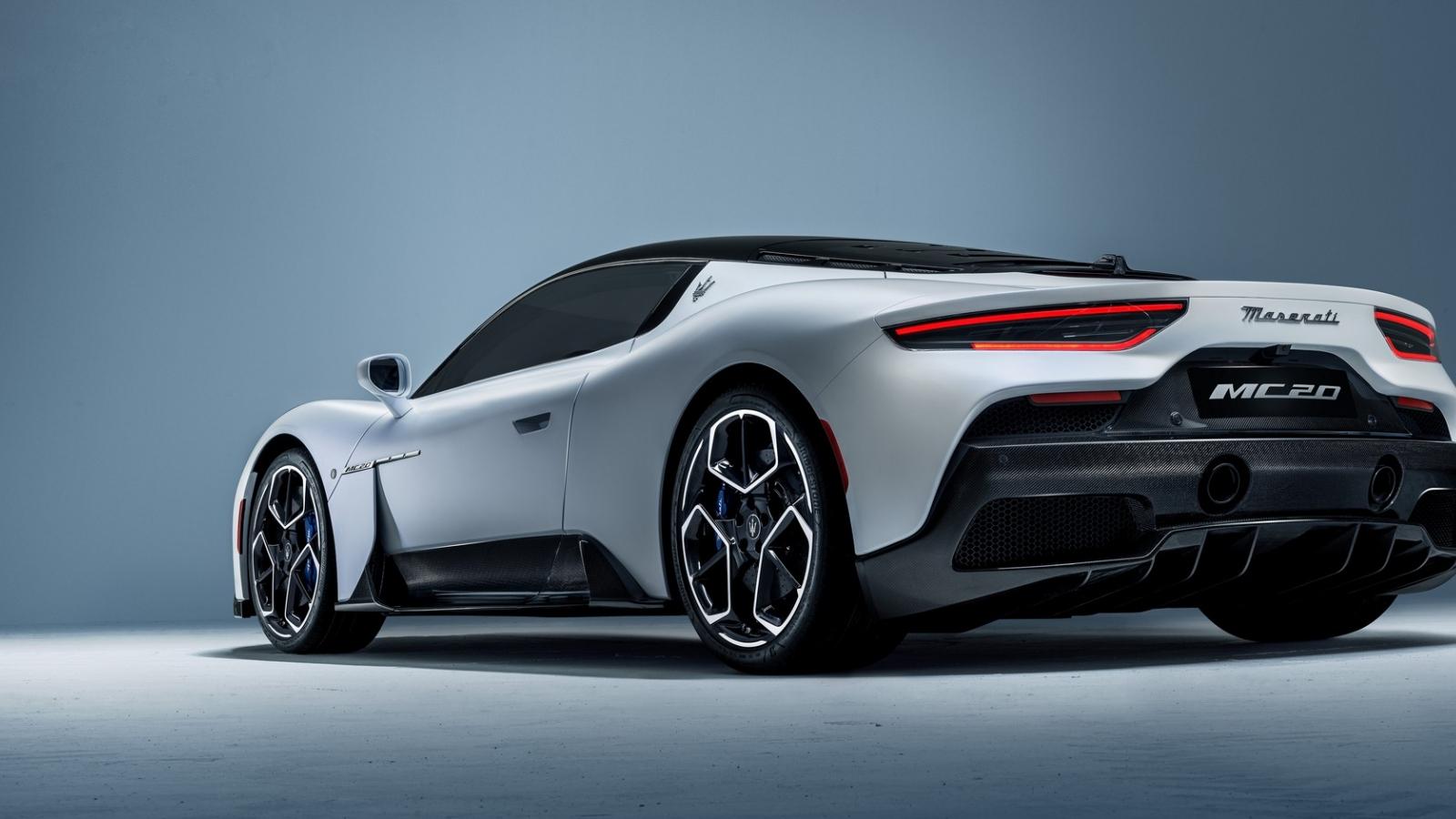 """Siêu xe Maserati MC20 2021 giá cao ngất ngưởng vẫn """"cháy hàng"""""""