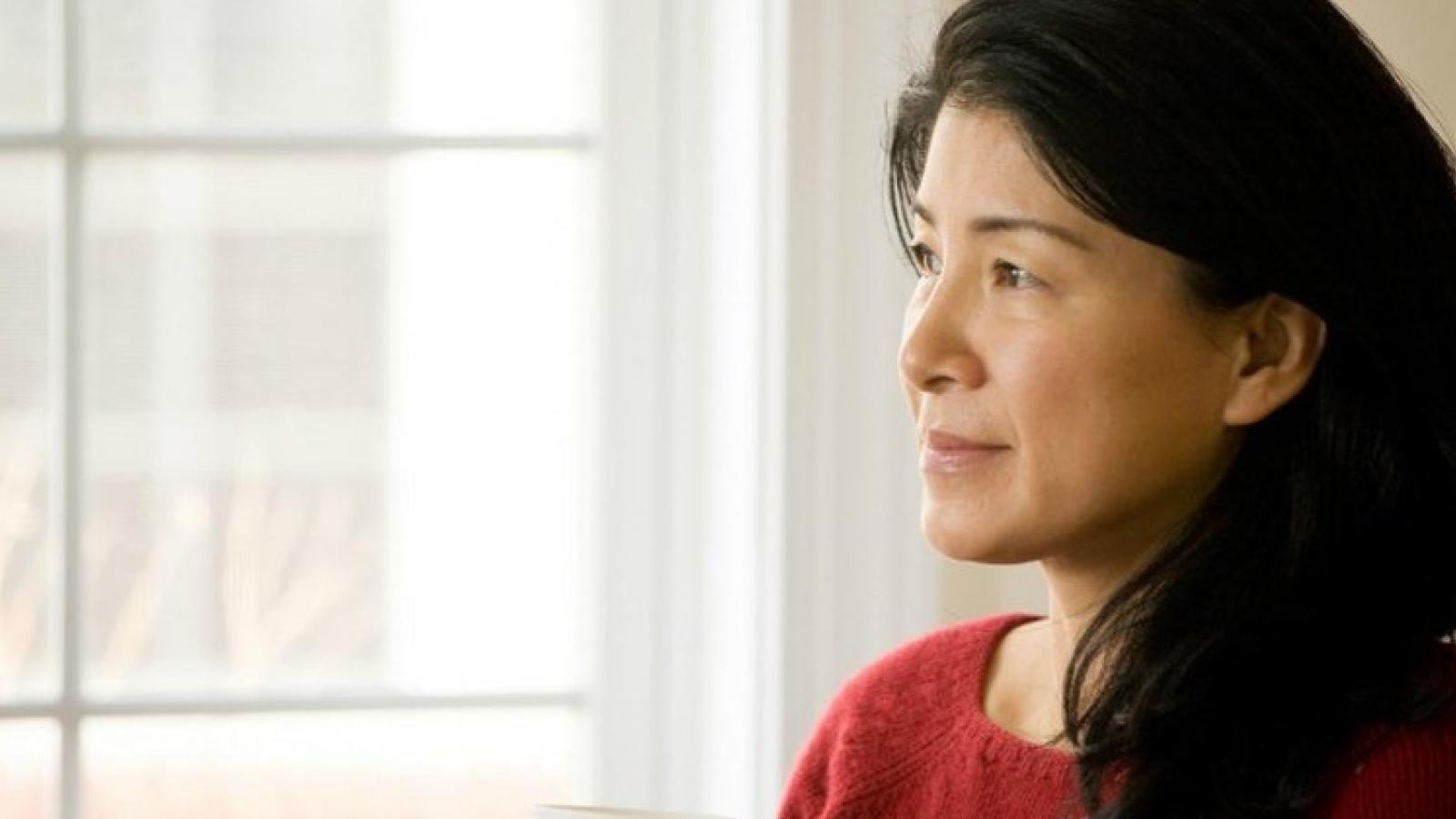 """4 điểm yếu """"chí mạng"""" khi người phụ nữ bước vào tuổi trung niên cần nhận ra"""
