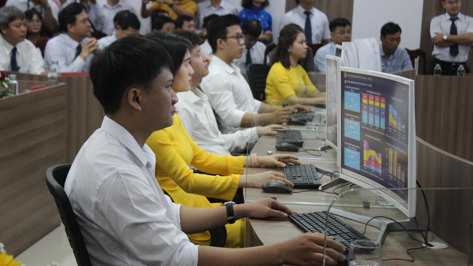 """Quảng Nam: Từ """"nền hành chính quản lý"""" sang """"nền hành chính phục vụ"""""""