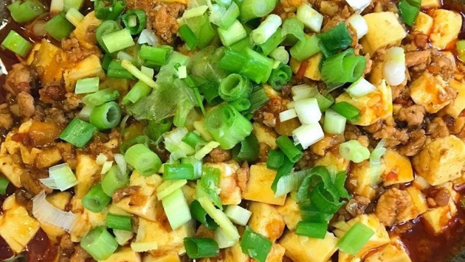 Công thức làm món đậu phụ sốt Tứ Xuyên lạ miệng, ngon cơm
