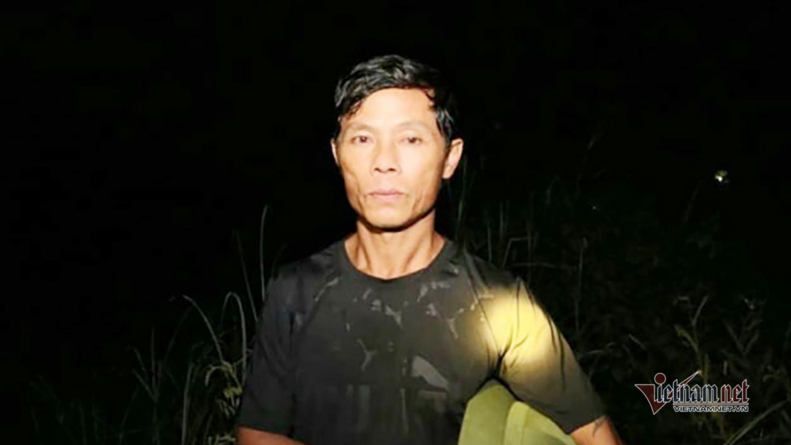 Lời kể người lặn sông Giăng đập cửa ô tô cứu người