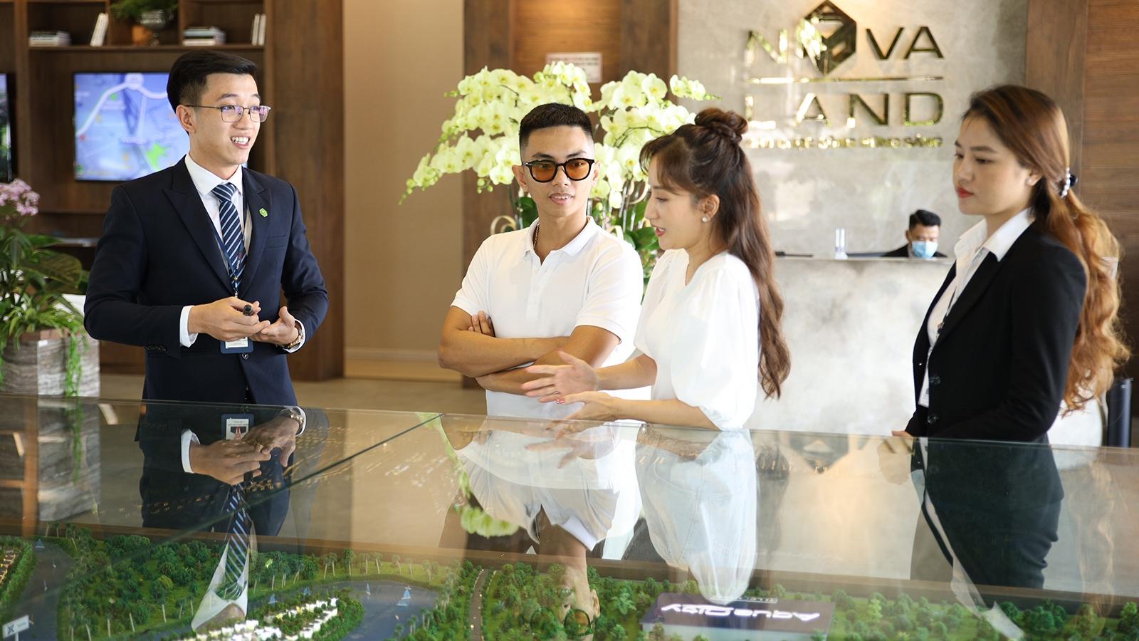 Không gian sống sinh thái tại Aqua City thu hút vợ chồng Khánh Thi, Phan Hiển