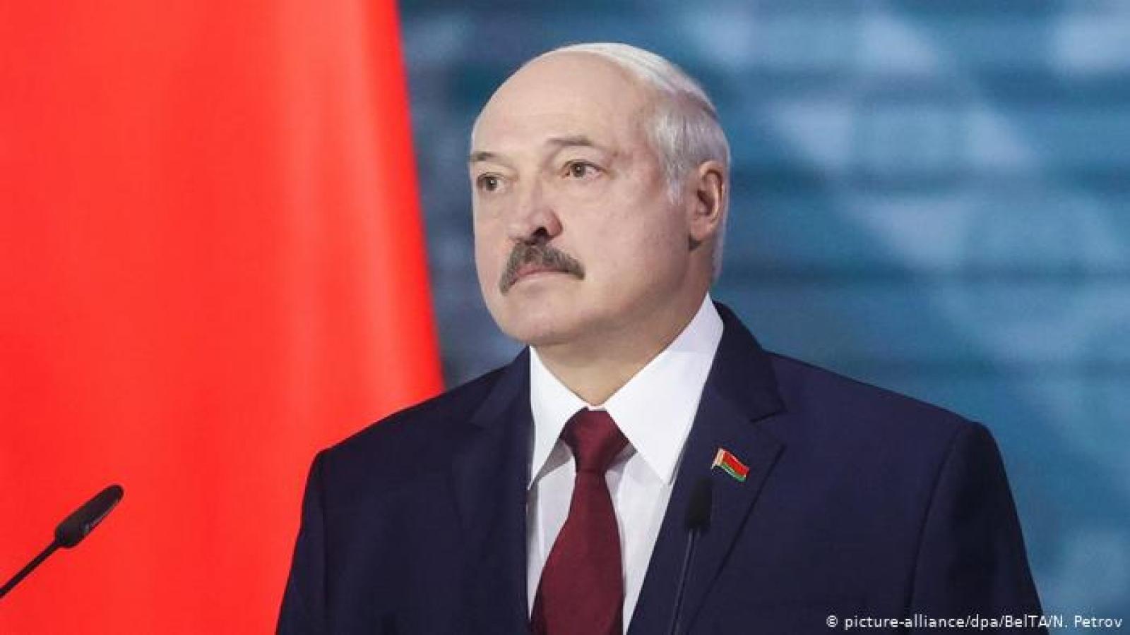 Belarus đóng cửa một phần biên giới, thay thế Bộ trưởng Nội vụ
