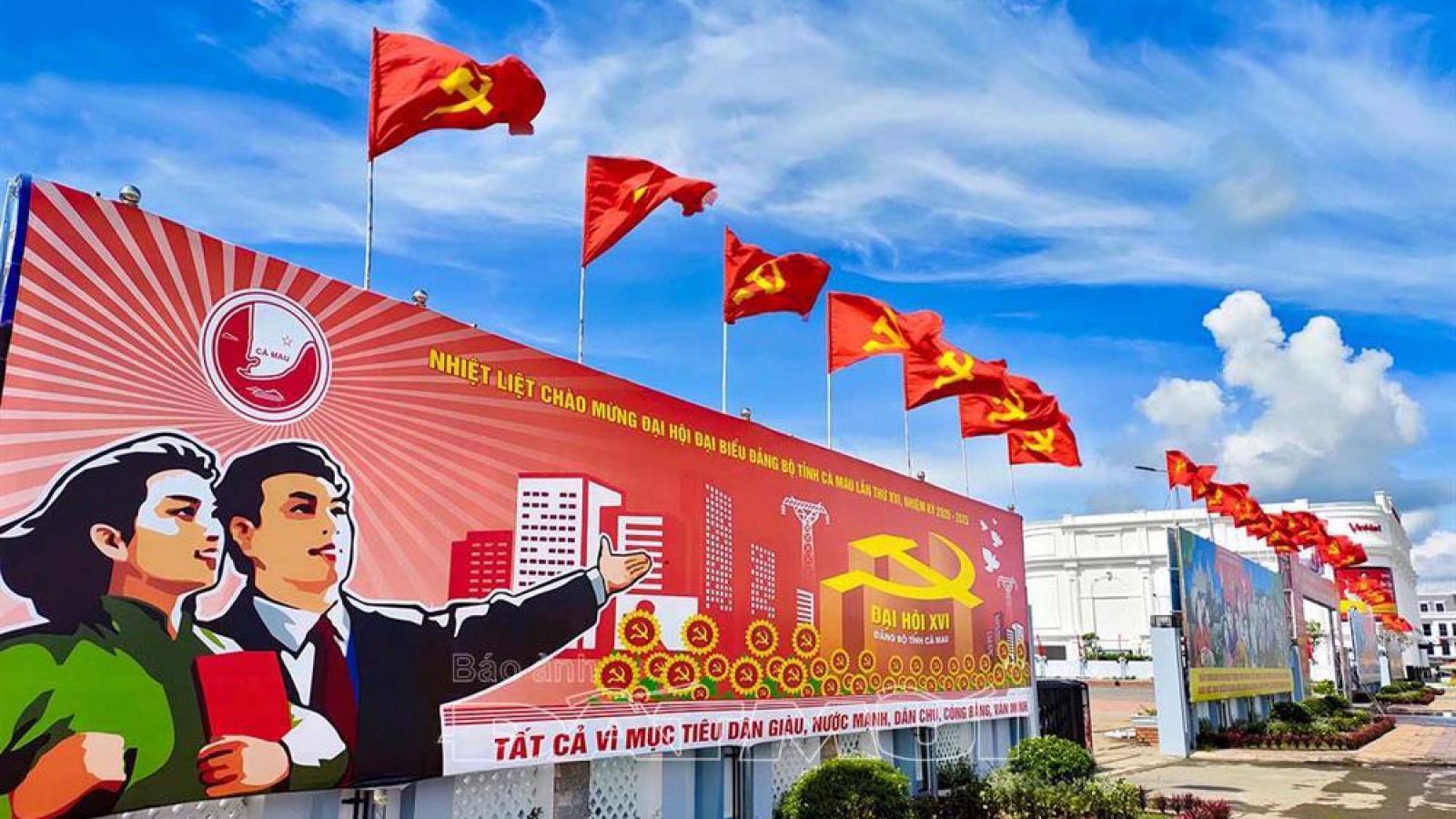 Cà Mau không nhận hoa mừng Đại hội Đảng, hướng về miền Trung