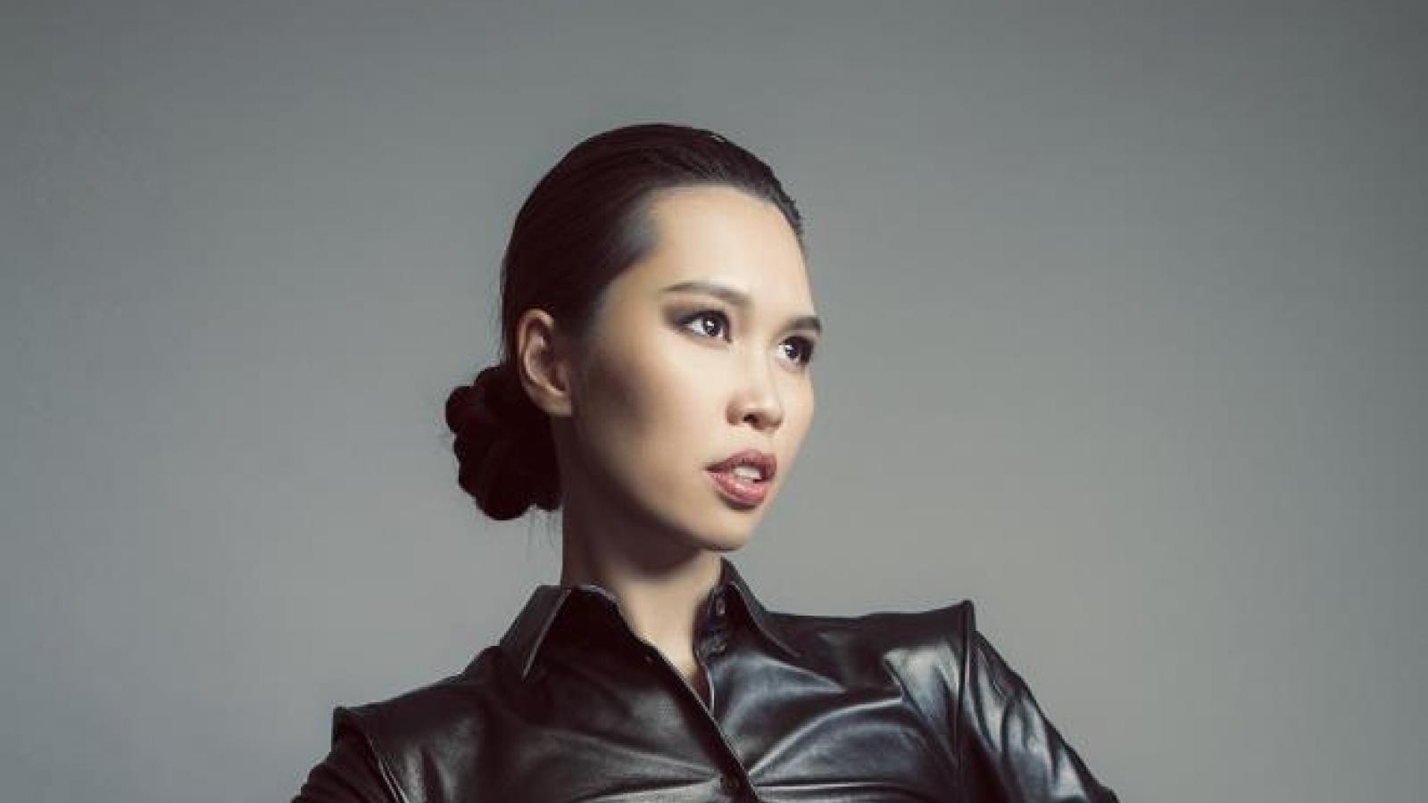 Siêu mẫu Hà Anh quyến rũ ngút ngàn dù không mặc bikini