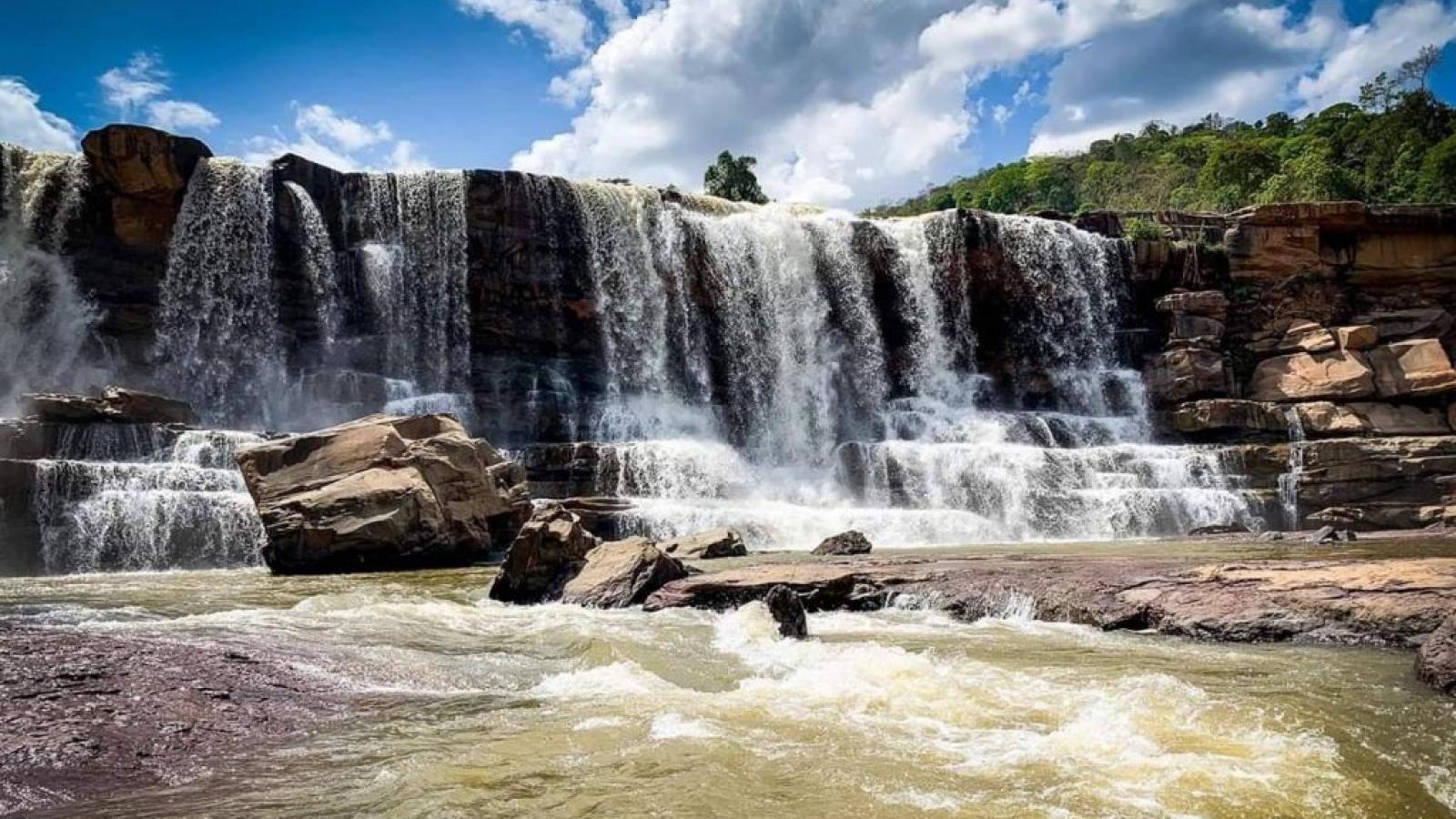Attapeu - xứ sở của những ngọn thác kỳ vĩ