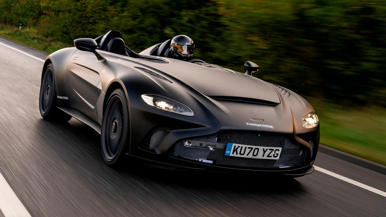 Aston Martin V12 Speedster lần đầu xuất hiện trên phố