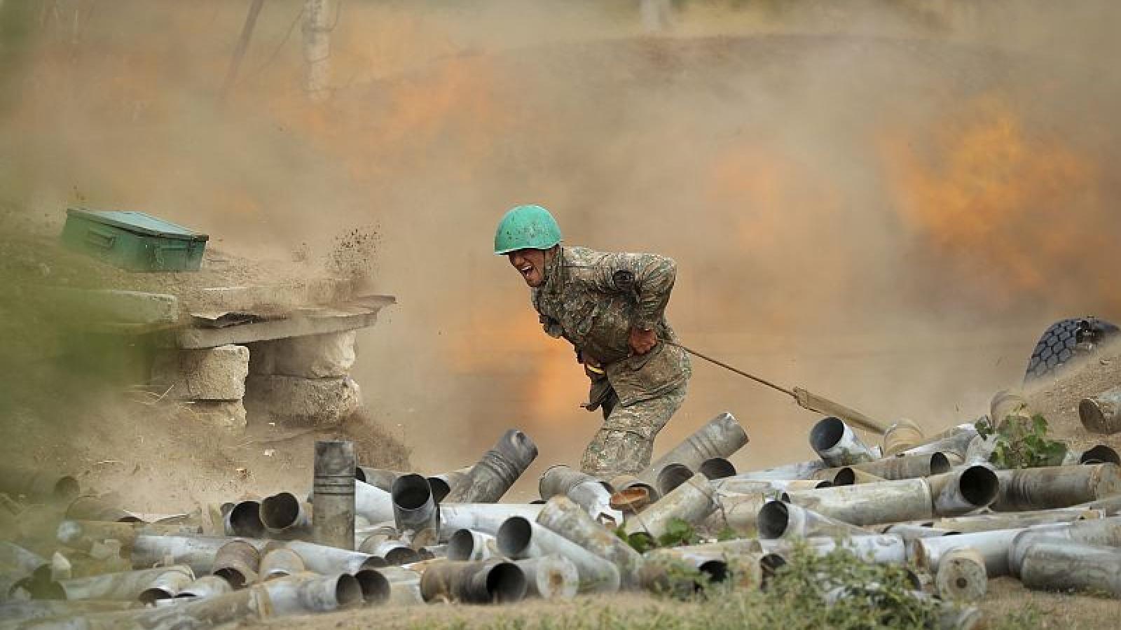 Xung đột tại Nagorno-Karabakh: Azerbaijan nêu điều kiện ngừng bắn
