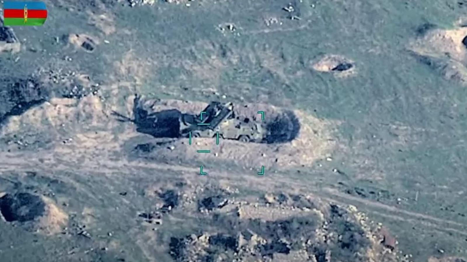 Azerbaijan công bố video phá hủy kho đạn dược và xe tăng của Armenia
