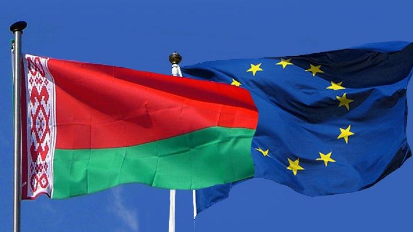"""Cuộc chiến """"ngoại giao"""" căng thẳng giữa Belarus và EU"""