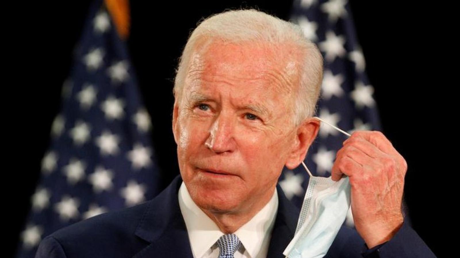 Ông Joe Biden xác nhận lùi thời gian tiến hành tranh luận trực tiếp