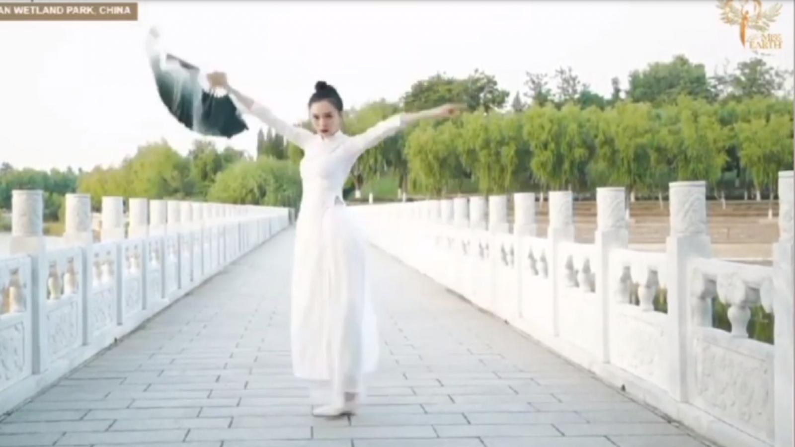 Thí sinh Trung Quốc mặc áo dài Việt Nam thi tài năng tại Miss Earth 2020?