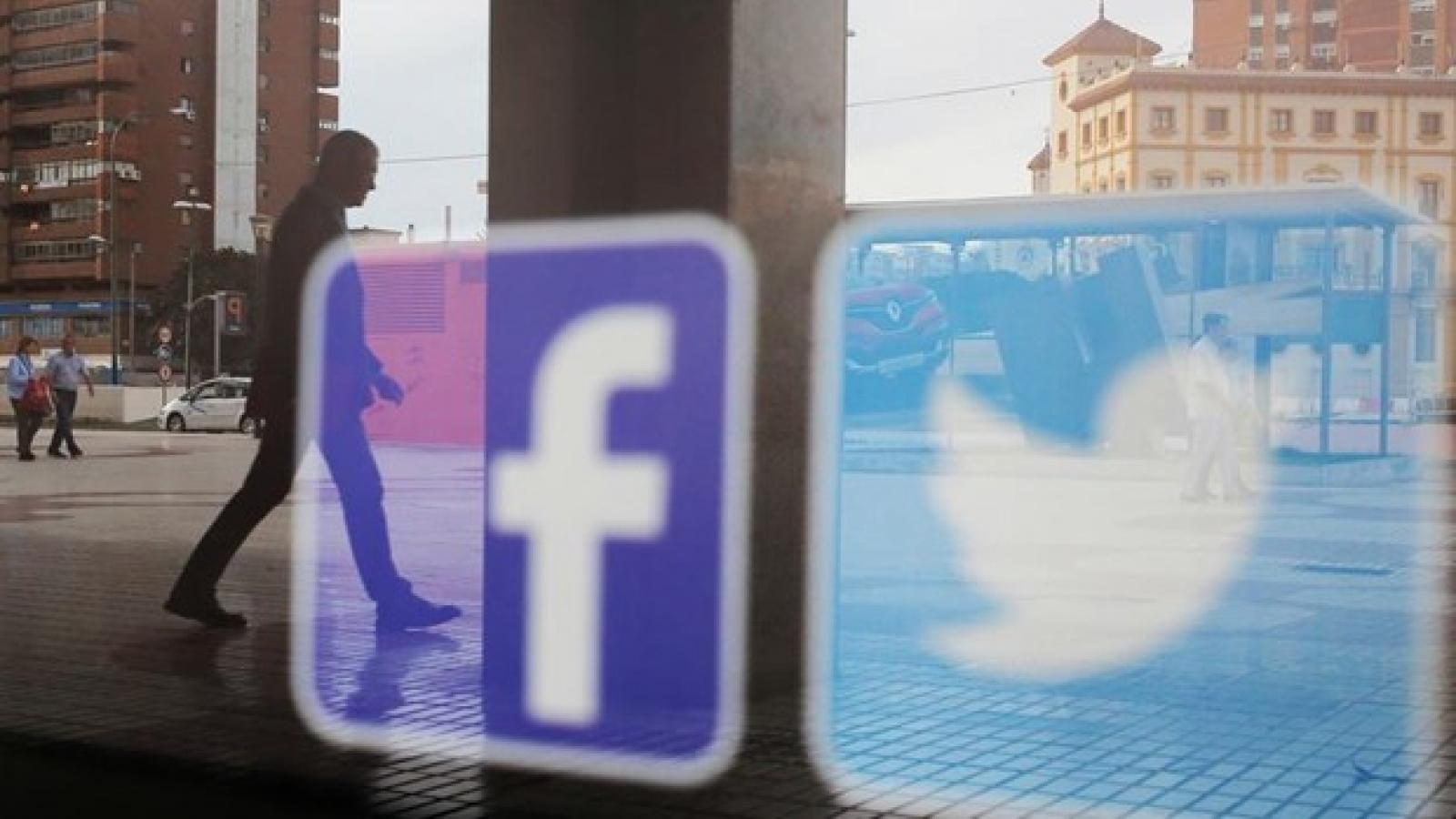 CEO Twitter và Facebook phải điều trần trước cáo buộc thiên vị ông Biden