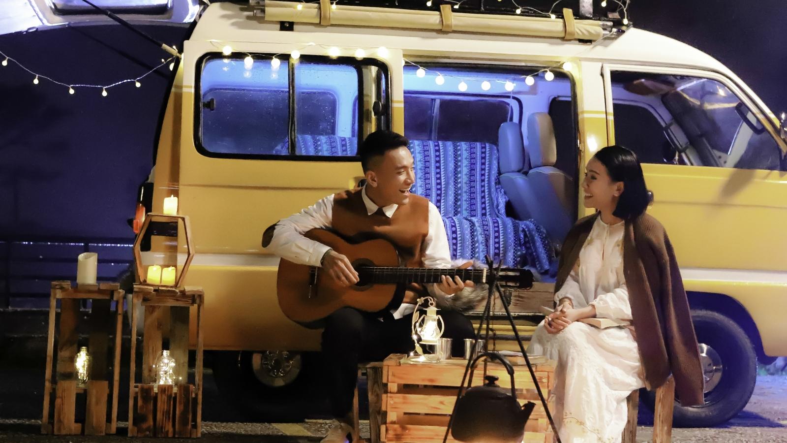 Sao Mai Vũ Yến Ngọc nhờ em trai đóng vai tình nhân trong MV tái xuất