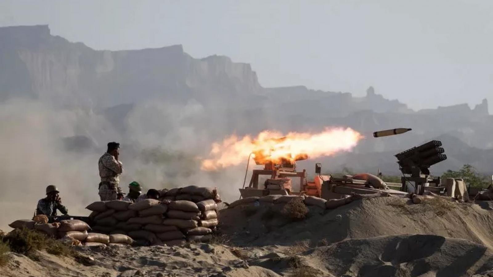 """Iran sẵn sàng buôn bán vũ khí với """"nhiều nước"""" sau khi lệnh cấm vận dỡ bỏ"""