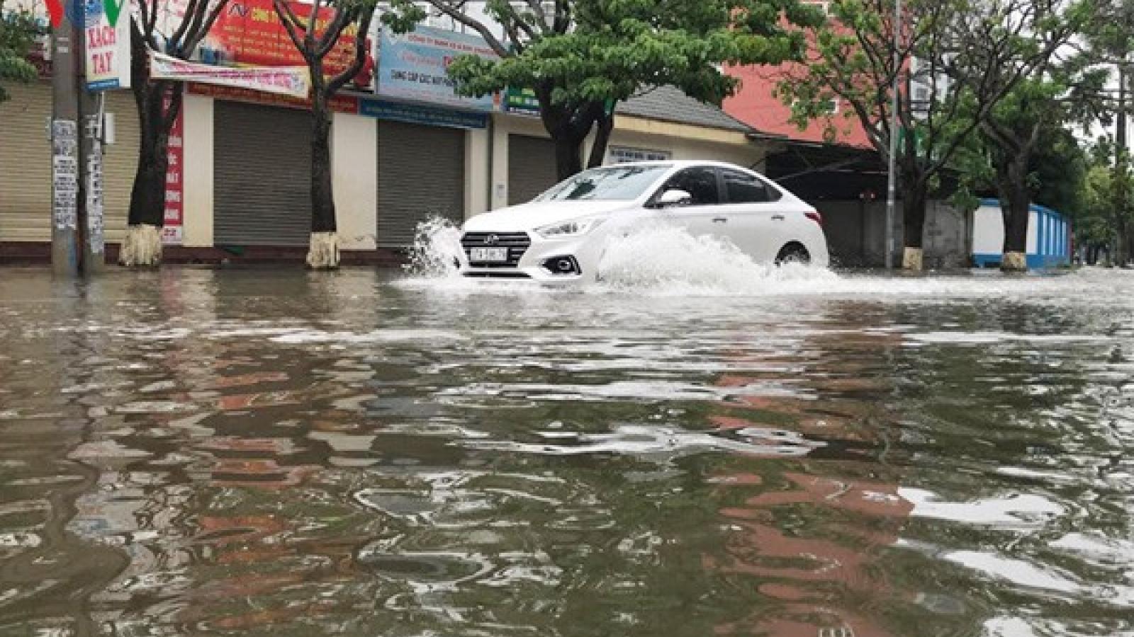 Áp thấp nhiệt đới đi vào đất liền Hà Tĩnh - Quảng Trị gây mưa vừa