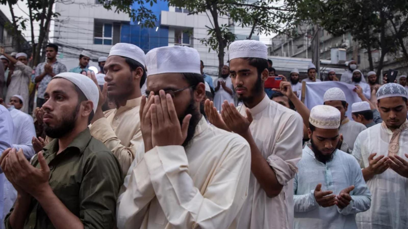 Mâu thuẫn khó tránh giữa Pháp và các quốc gia Hồi giáo
