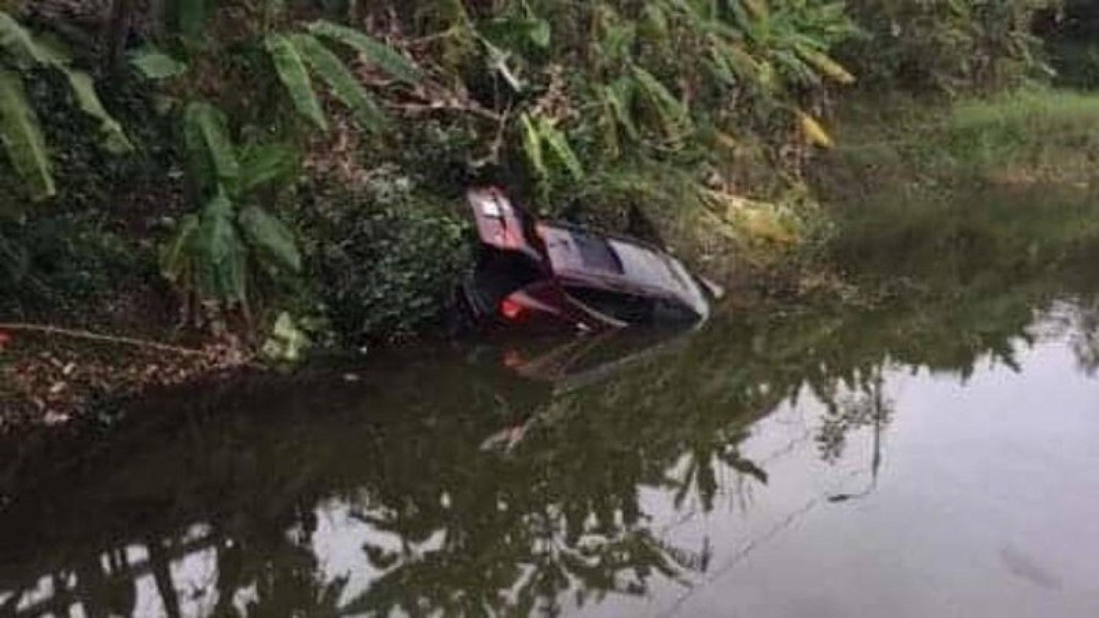 Thanh Hoá: Ô tô lao xuống sông, 3 người tử vong